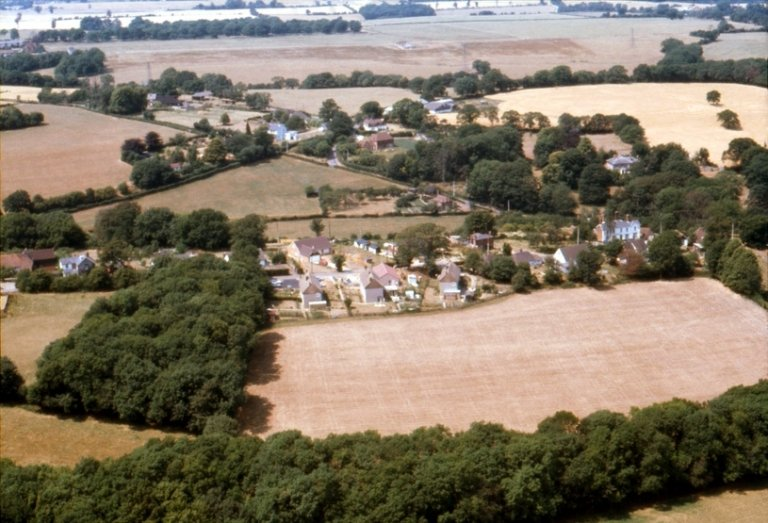 Aerial view of Tumblefield Road, Stansted, Kent, in 1977