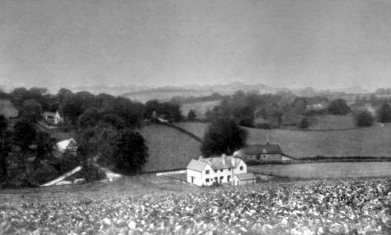 Stansted, Kent, prior to 1920 when the cottagess opposite the School were built